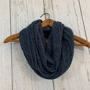 American Eagle Outfitters Knitted Circle Scarf